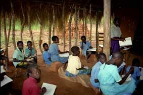 Skolen i Kiralamba var overfylt og uhygienisk