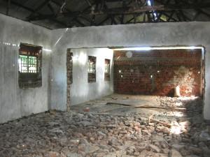 140607 Innsiden av klasserom gulvet er uferdig - Kopi